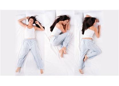10 pozicione të gjumit për 10 probleme shëndetësore